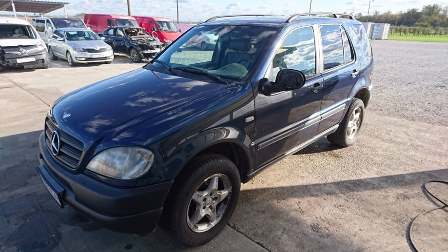 Mercedes-Benz ML 320 automatik 1998 god prodajem